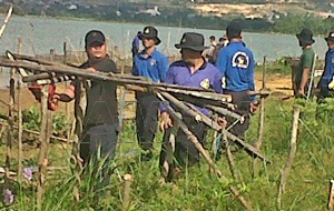 Tim Terpadu Bongkar Bangunan Liar di Dam Duriangkang/AMOK