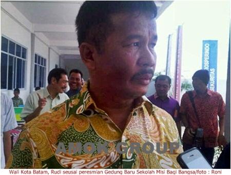 Wali Kota Batam Minta DKP Segera Angkut Sampah di TPS