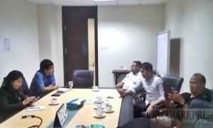 ketua-lsm-garda-indonesia-saat-bertemu-dengan-humas-bp-batam