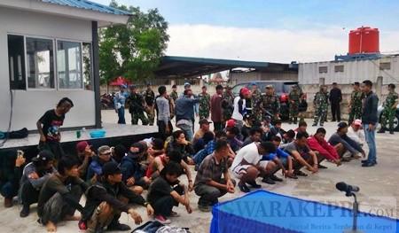 puluhan-calon-tki-ilegal-diamankan-di-mako-lanal-batam